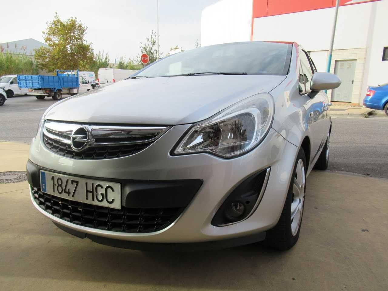 Opel Corsa Gasolina en Málaga