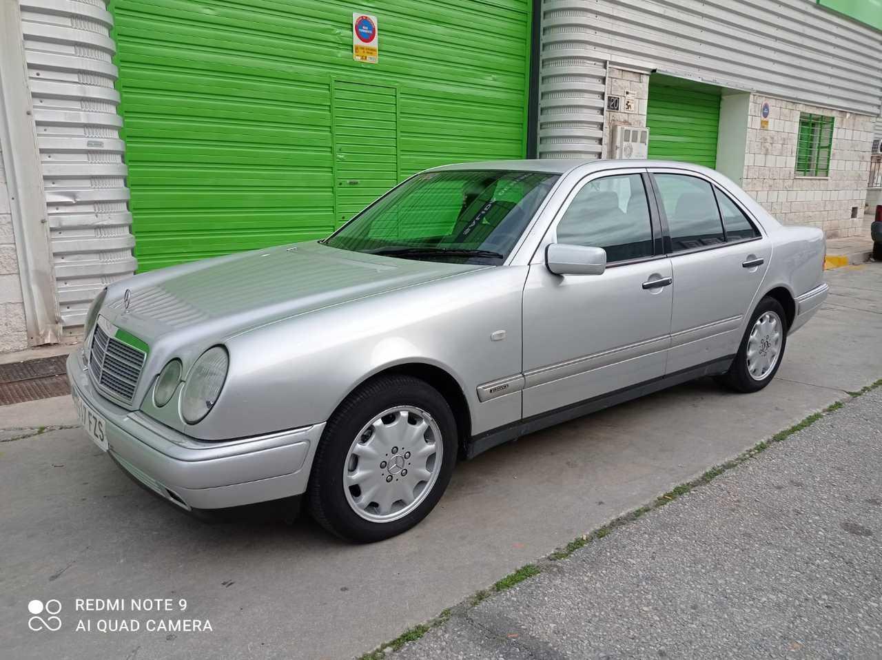 Mercedes Benz Clase E ocasión segunda mano 2000 Diésel por 3.200€ en Málaga