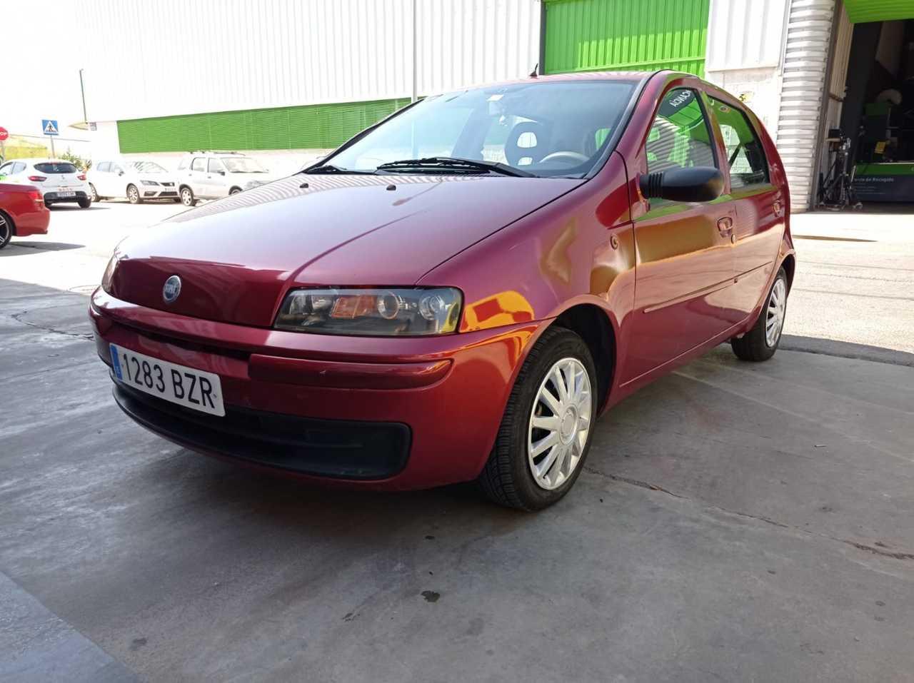 Fiat Punto  ocasión segunda mano 2002 Gasolina por 1.800€ en Málaga