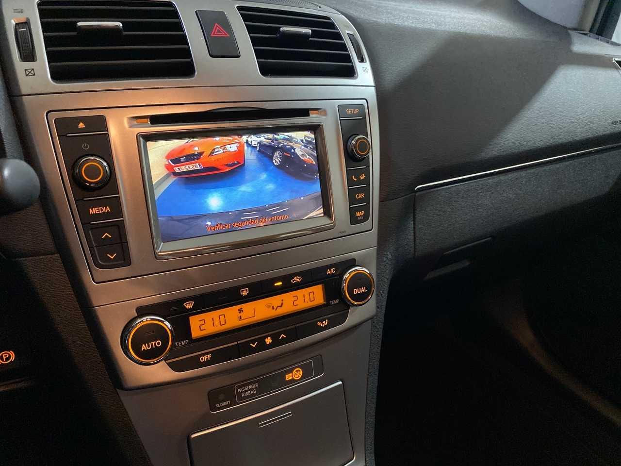 Foto Toyota Avensis 9