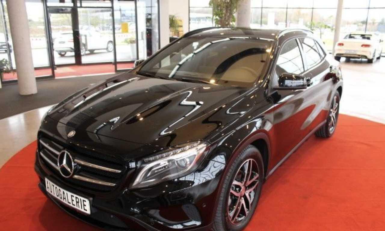 Foto Mercedes-Benz GLA 1