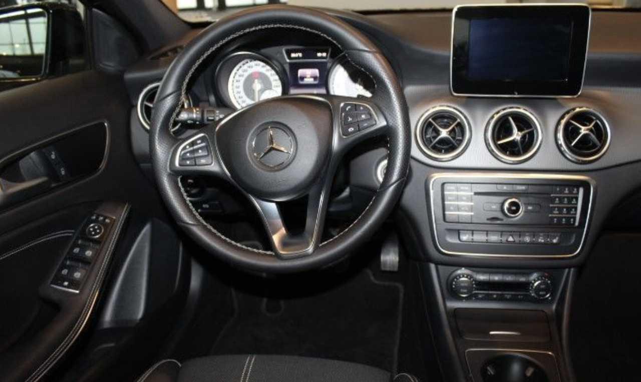 Foto Mercedes-Benz GLA 5