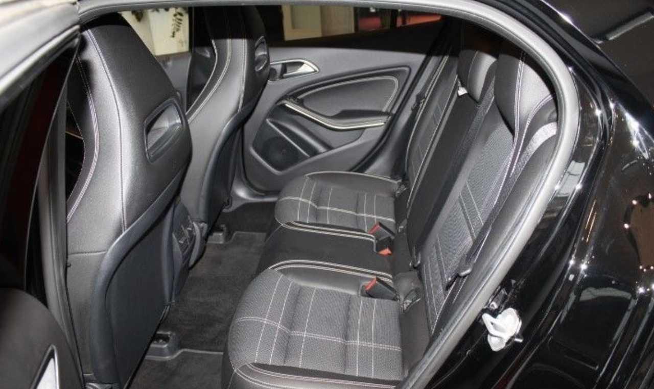 Foto Mercedes-Benz GLA 4