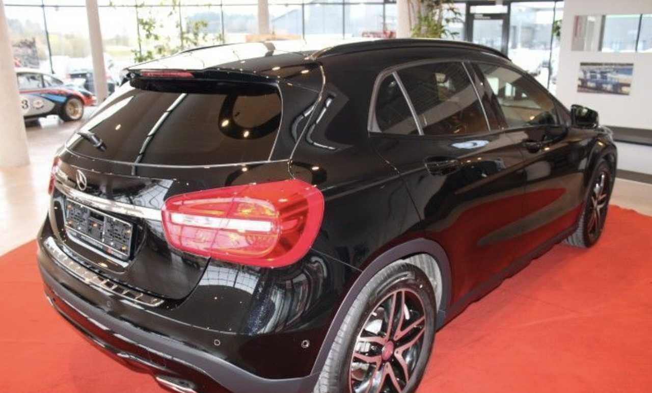 Foto Mercedes-Benz GLA 7