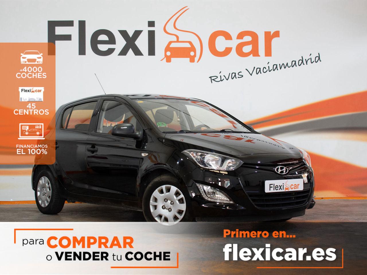 Hyundai i20 ocasión segunda mano 2013 Gasolina por 7.490€ en Huelva