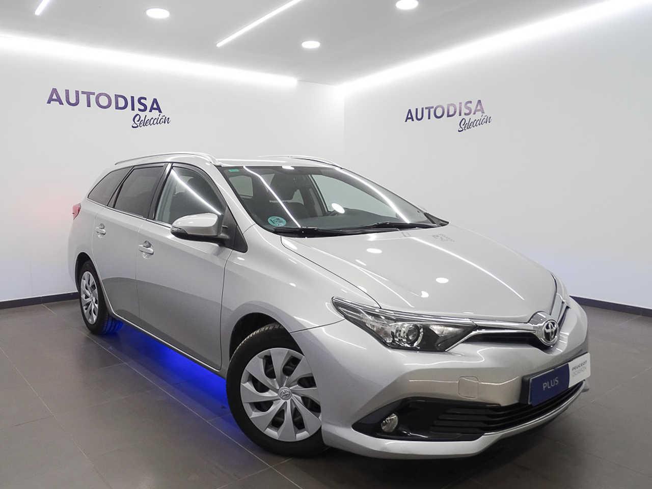 Toyota Auris ocasión segunda mano 2016 Diésel por 10.495€ en Valencia