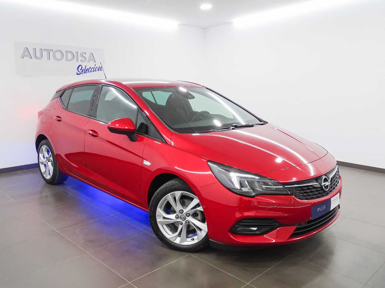 Array Opel Astra 2021 Diésel por 17.995€ en Valencia