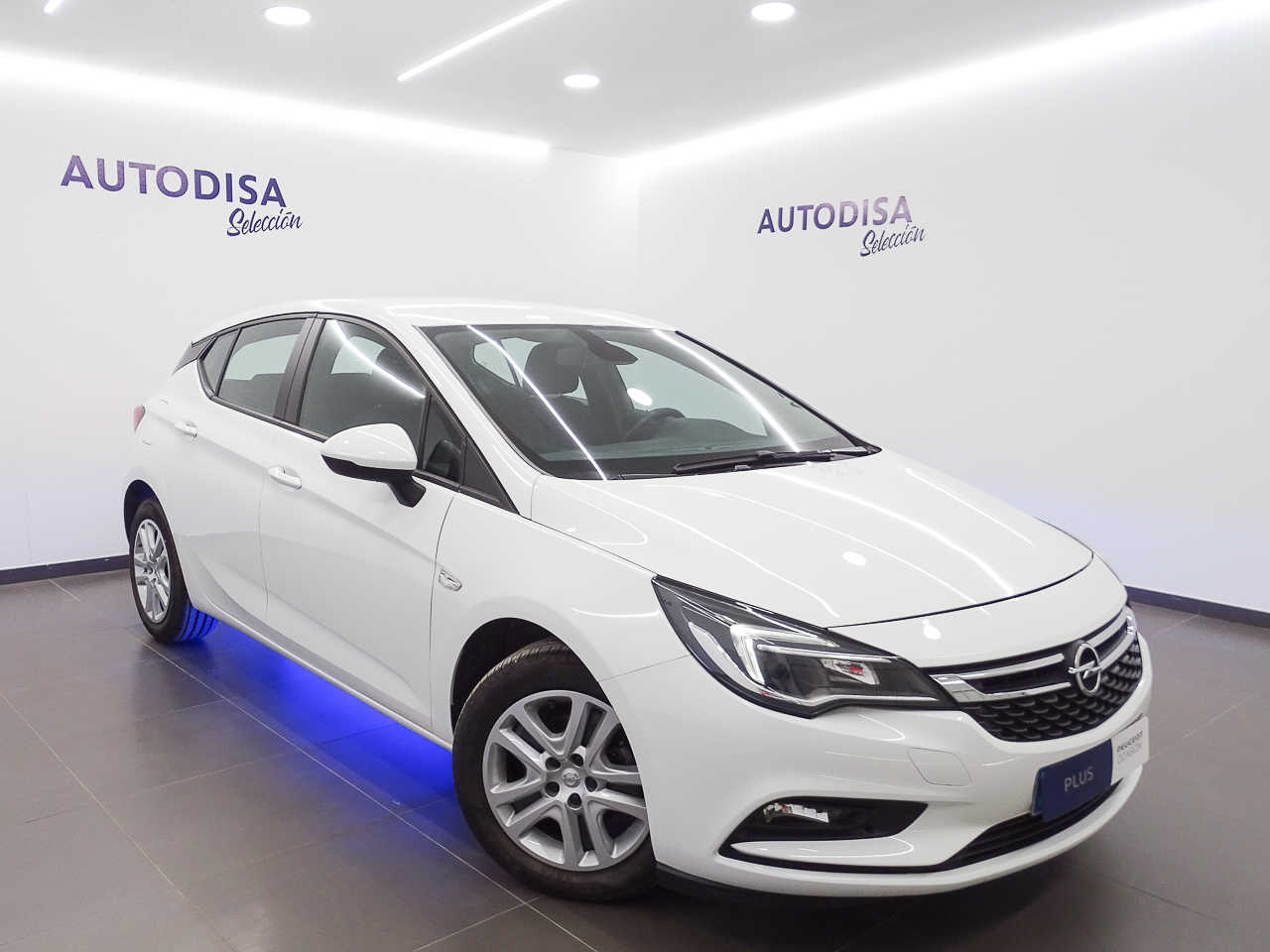 Opel Astra ocasión segunda mano 2017 Diésel por 10.995€ en Valencia