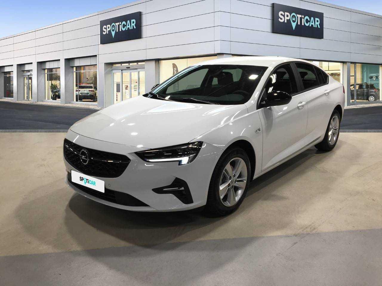 Opel Insignia  ocasión segunda mano 2021 Diésel por 26.500€ en Madrid