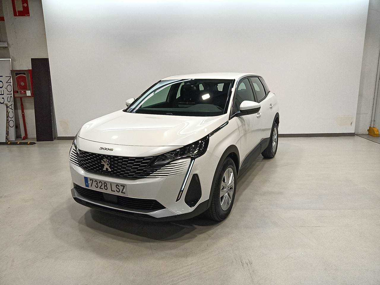 Peugeot 3008 ocasión segunda mano 2021 Gasolina por 31.900€ en Madrid