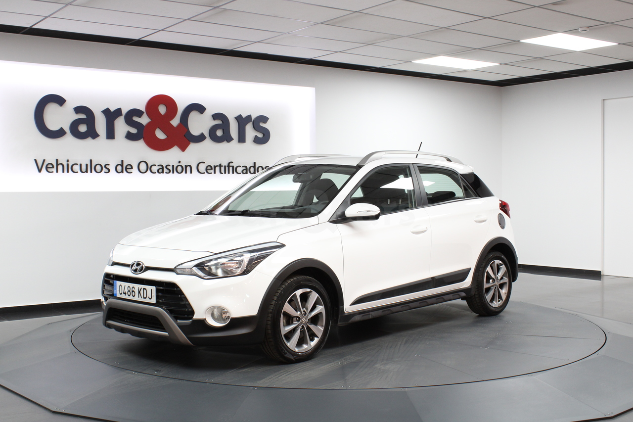 Hyundai i20 ocasión segunda mano 2017 Gasolina por 11.995€ en Madrid